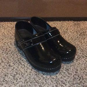 Koi Sanita black patent leather Nursing clogs